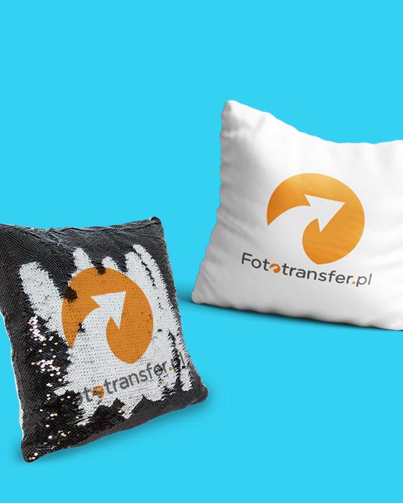 Poduszki oraz plecaki🎒z cekinami, które zmieniają kolor.